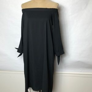 Ann Taylor off the shoulder 3/4 tied sleeve dress